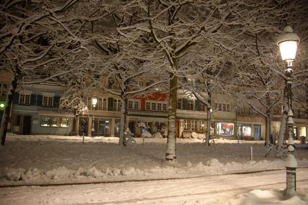 Graben im Schnee